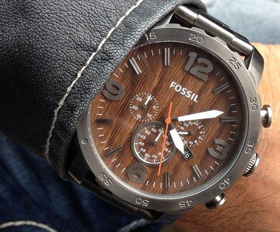 fossile en bois horloges
